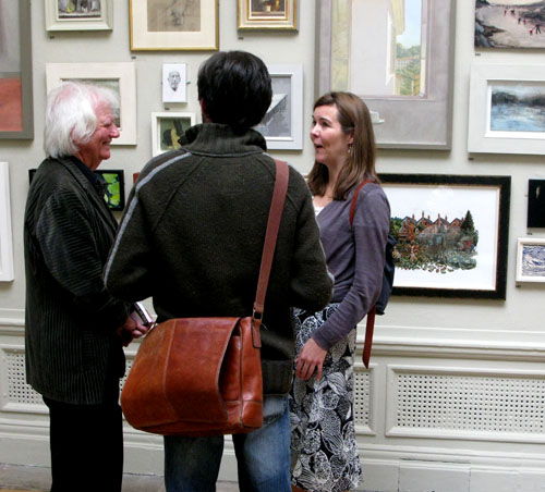 Ken Howard RA not quite looking at my painting at The Royal Academy Summer Exhibition